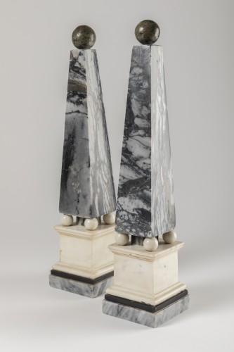 Marble obelisks pair late 18th/early 19th century - Curiosities Style Directoire