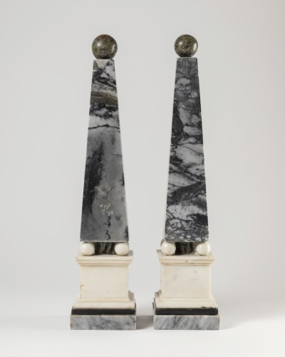 Antiquités - Marble obelisks pair late 18th/early 19th century