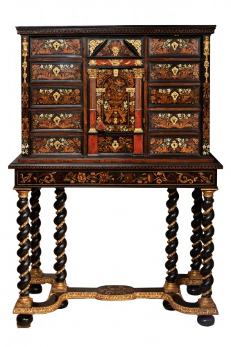 Cabinet-on-stand France 17th century