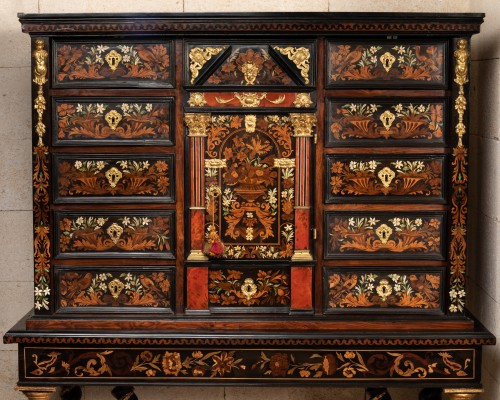 Cabinet-on-stand France 17th century - Furniture Style Louis XIV