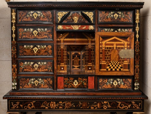 Cabinet-on-stand France 17th century - Louis XIV