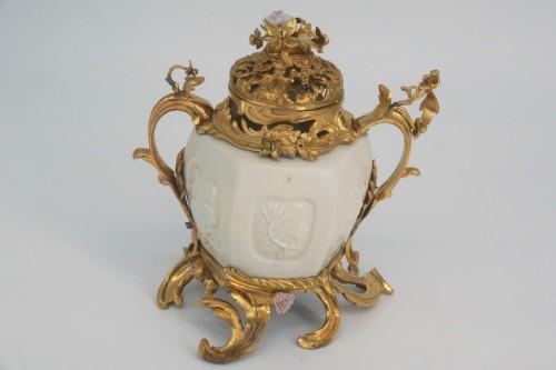"""Pot pourri"" vase China porcelain 18th century -"