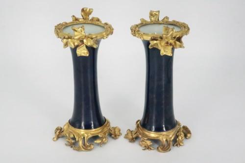 "Porcelain ""cornet"" vases pair mid 18th century - Decorative Objects Style Louis XV"