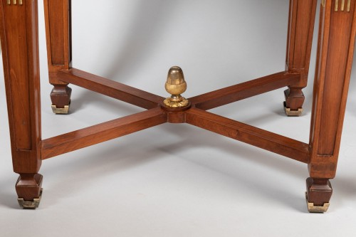 Pair of mahogany tables Neoclassical period, late 18th / early 19th - Directoire