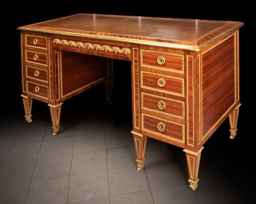 Louis XVI period desk stamped BERNARD - Furniture Style Louis XVI