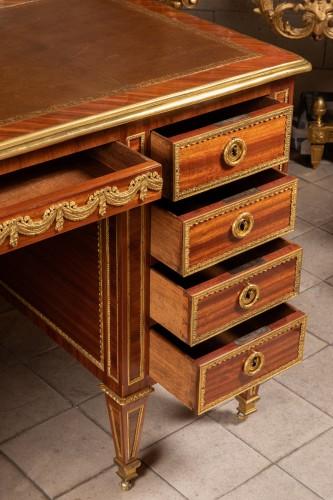 Antiquités - Louis XVI period desk stamped BERNARD