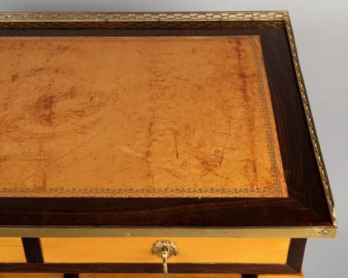 18th century - Louis XVI table stamped JF LELEU