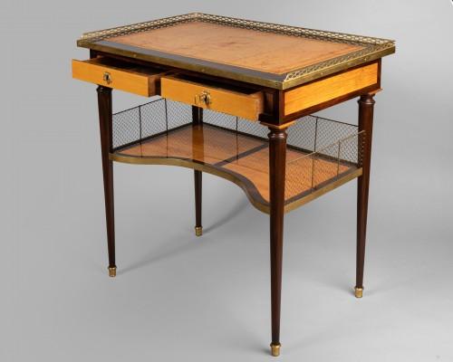 Antiquités - Louis XVI table stamped JF LELEU