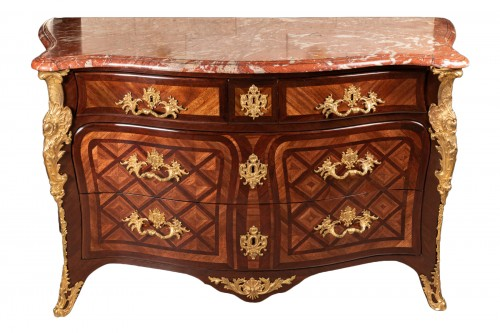 French Régence commode, 18th century