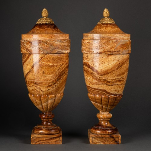 Alabaster vases pair late 18th century - Decorative Objects Style Directoire