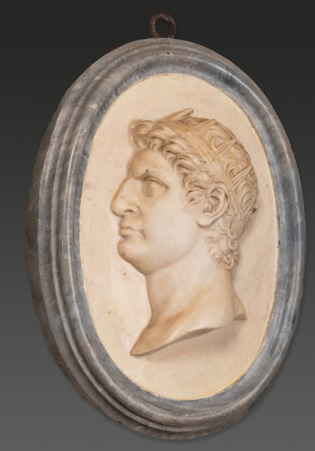 17th century - Two marble medallions Italy 17 / 18th century