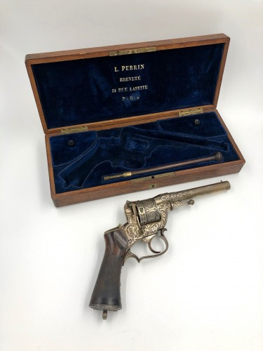 Box set necessary revolver Perrin de luxe, engraved and silver plated -