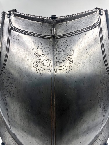 Collectibles  - Engraved armour plastron, Portugal late 16th century