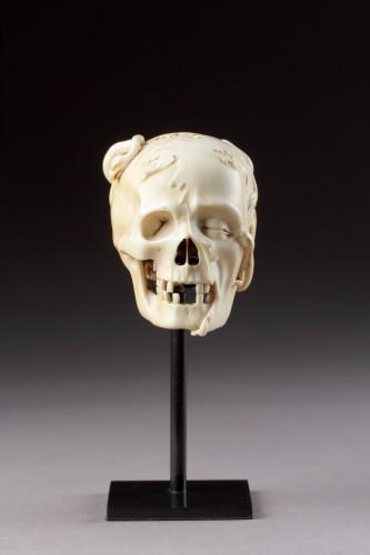 17th century - An Exceptional German Carved Ivory Vanitas