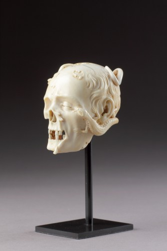 Antiquités - An Exceptional German Carved Ivory Vanitas