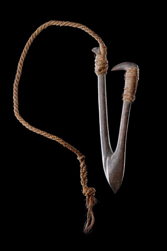 Polynesian Tuvalu Ellice Islands Fish Hook 'Kou Boru' - Tribal Art Style