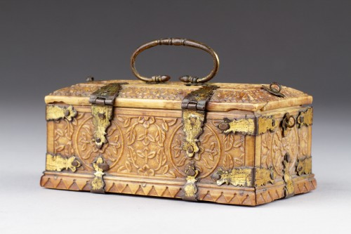- India Mughal Small Carved Ivory Casket