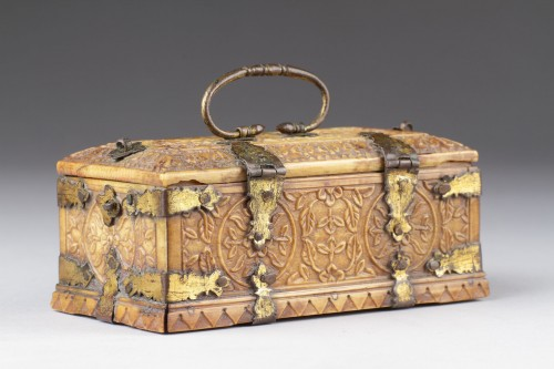 Antiquités - India Mughal Small Carved Ivory Casket