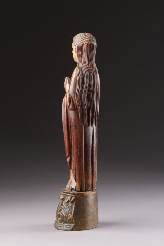 17th century - Indo-Portuguese Goa Carved Ivory Devotional Statuette of the Virgin Mary