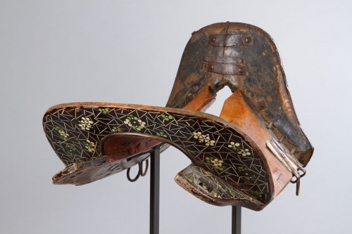 Rare Western Tibetan Horse Saddle as Used by the Kampa Horsemen - Asian Works of Art Style