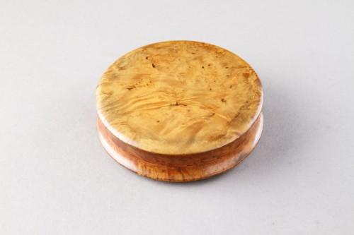 Erotic French Pressed Burr Walnut Snuff Box  - Curiosities Style