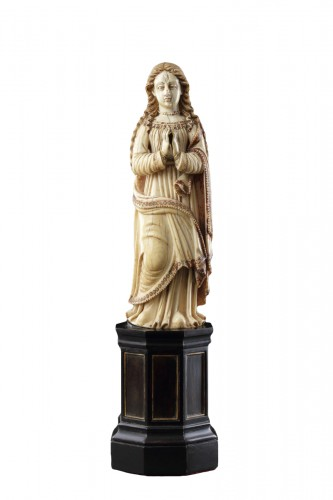 Carved Indo-Portuguese Ivory Madonna with Hands Clasped in Prayer