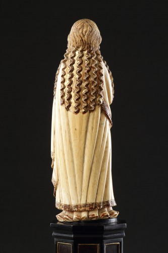 17th century - Carved Indo-Portuguese Ivory Madonna with Hands Clasped in Prayer