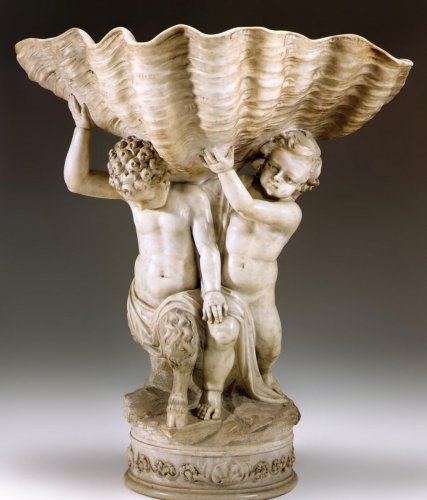 Very fine, Italian, sculpted marble fountain base of large dimensions - Sculpture Style