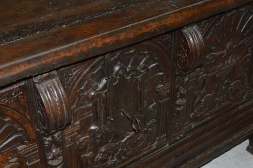 Spanish, Renaissance period walnut caixa -