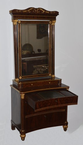 Spanish, Neoclassical, flame mahogany and parcel-gilt coiffeuse - Empire