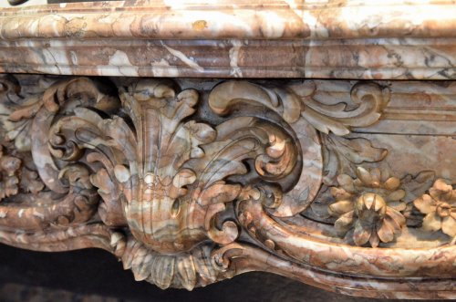 Louis XV style marble fireplace surround - Louis XV