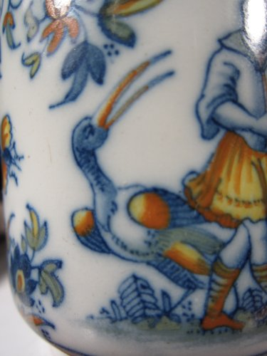 18th century - A faïence jar with Chinoiseries decoration, Alcora 1735-60