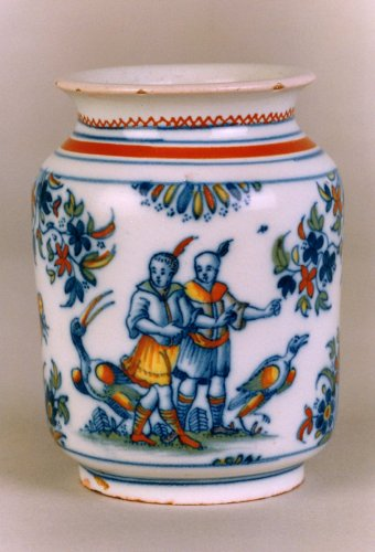 Antiquités - A faïence jar with Chinoiseries decoration, Alcora 1735-60