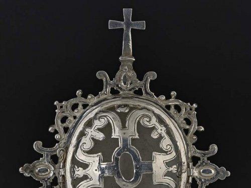 A Spanish silver reliquary medallion dedicated to Saint Erasmus, circa 1580 - Religious Antiques Style Renaissance