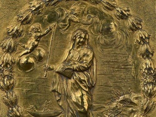 A gilt bronze plaquette representing Saint Genevieve, XVIIIth century - Religious Antiques Style