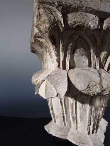 Architectural & Garden  - Spanish Gothic limestone capital, XIIIrd-XIVth century