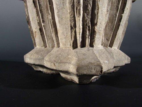 16th century - Spanish Gothic limestone capital, XIIIrd-XIVth century
