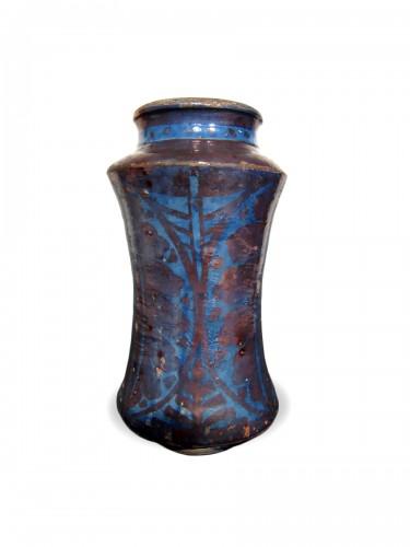 Gothic Hispano-Moresque lustre pottery albarello, Manises c.1450-1500