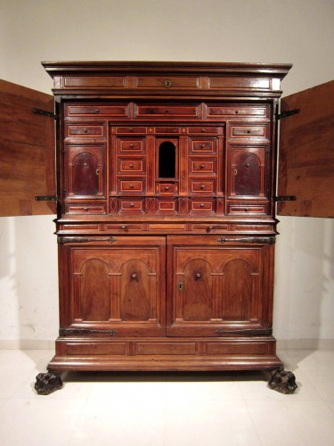 Spanish Baroque architectural cabinet on stand, 17th century - Furniture Style
