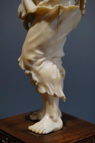 Pair of ivory sculptures, German School, XVIIIth century -