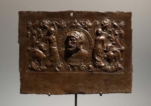 Renaissance plaque with a bust of Hercules, circa 1520-30 - Curiosities Style Renaissance