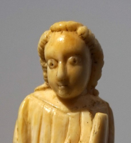 16th century - Medieval ivory figure of a Saint, North of Spain, XI-XIIth century