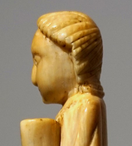 Medieval ivory figure of a Saint, North of Spain, XI-XIIth century - Middle age