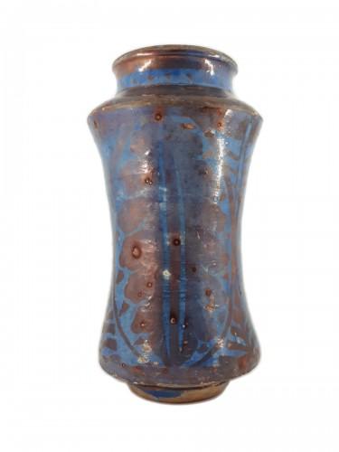 Hispano-Moresque lustre pottery albarello, Manises, late XVth century