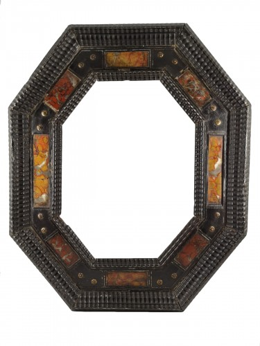 Octagonal frame with pietra dura decoration, Italy, XVIIth century