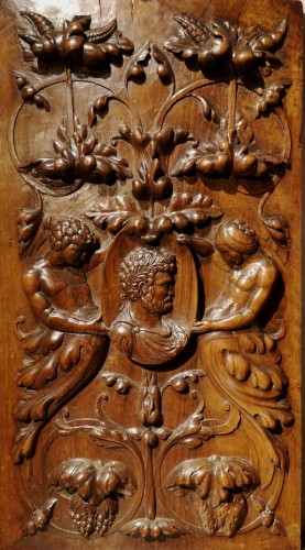 A pair of Renaissance walnut panel, early XVIth century - Sculpture Style