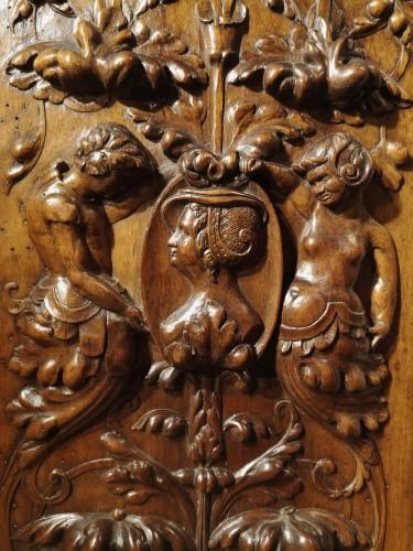 <= 16th century - A pair of Renaissance walnut panel, early XVIth century