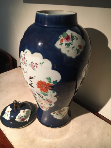 Covered vase and two cone vases in Chinese porcelain, 18th century - Porcelain & Faience Style