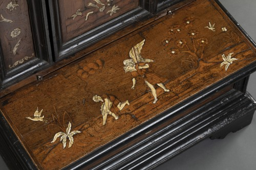 Walnut wood God-Prayer and ivory inlays - Northern Italy - 17th century -