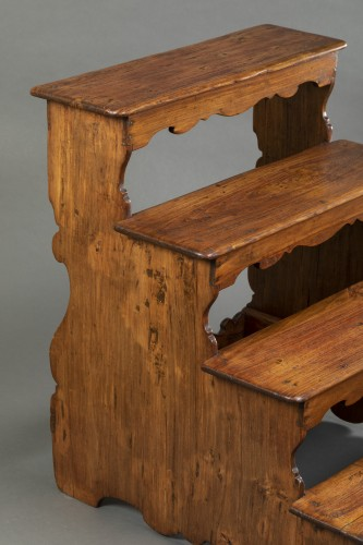 17th century - Italian library step ladder in poplar - Second half of the 17th century